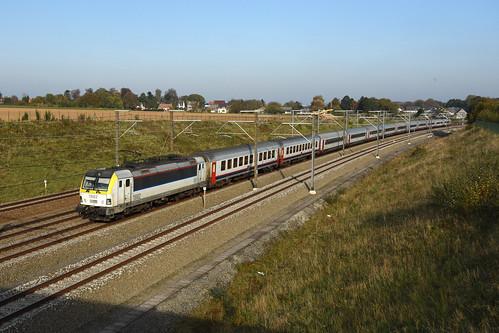 HLE 1882 + IC 536 (Eupen 13:14 - Oostende 16:18), Kortenberg, 31/10/2019