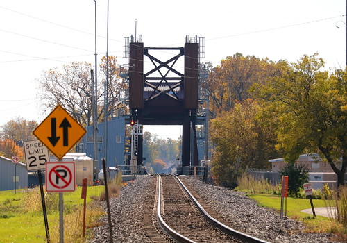 Oshkosh bridge, Oshkosh, 25 Oct 19