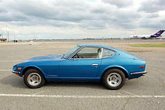 Nissan Datsun 240Z and a Boeing 727