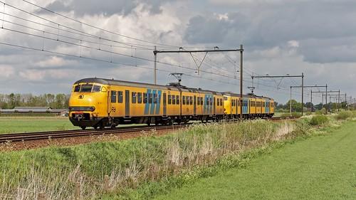 Ravenstein Plan V 475-479 als Sprinter 4451 naar Deurne