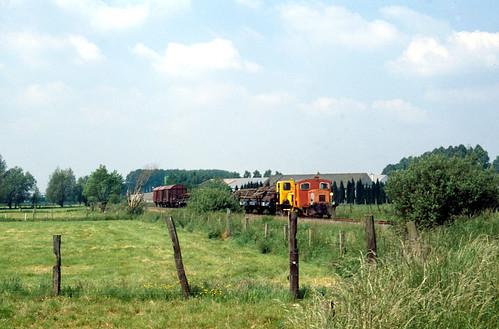 D01104 (2)