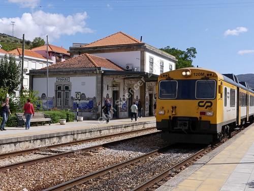 Pinhão station