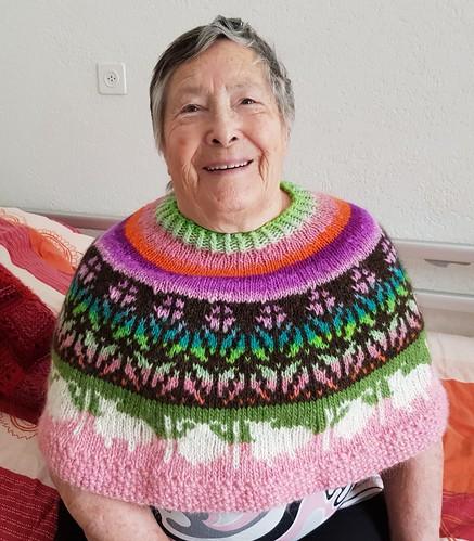20191102_141208 Pour ma maman. Chauffe épaules en laine islandaise Alafosslopi et laine japonaise Noro