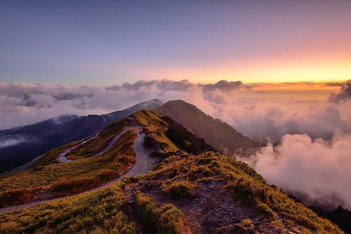 Sunset at Mountain Hehuan 合歡夕照