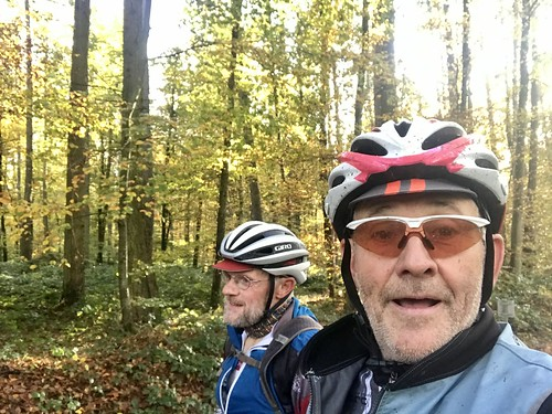 Monday mud and grind ride with my friend André...
