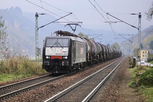 AWT-MRCE 189 844 mit Kesselwagenzug