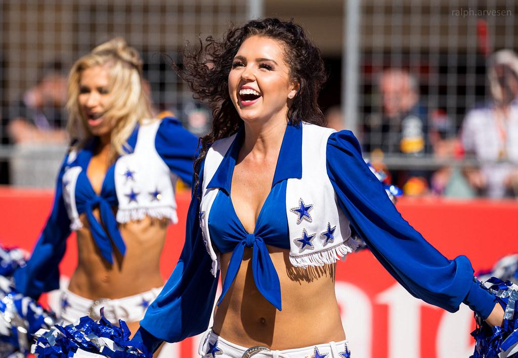Dallas Cowboys Cheerleaders | Texas Review | Ralph Arvesen