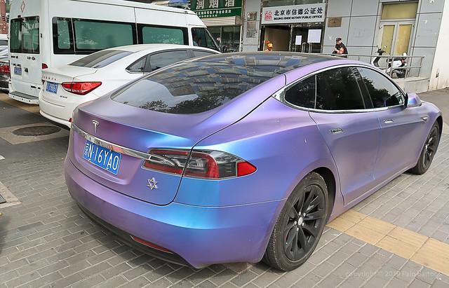 019Sep 19: Tesla Electric on Beijing Street