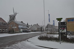 Schurinkhof en Molen de Lelie in de sneeuw (136FJAKA_2991)