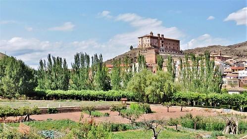 Illueca, su huerta, castillo - Zaragoza.