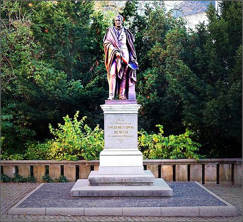 Demiani Denkmal