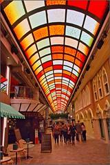 MSC Grandiosa - DECK 6 -  Galleria Grandiosa - shopping mall - winkelcentrum - LED ceiling
