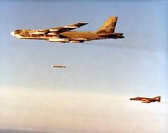Bilstein_01087  Boeing B-52G launching ALCM