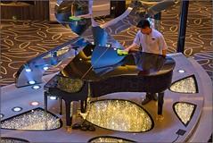 MSC Grandiosa - DECK 5 - Atrium floor - Cleaning the grand piano