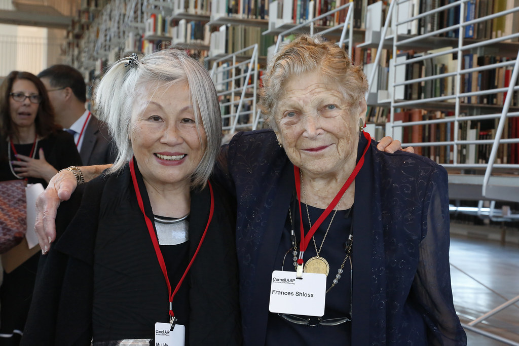Mui Ho '62 (B.Arch. '66), left, with Frances Shloss (B.Arch. '45) at the dedication ceremony on September 9, 2019.