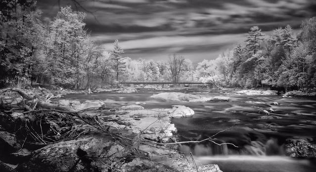 La passerelle de la rivière du nord
