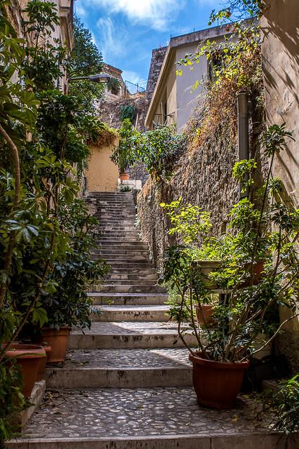 Escalier dans un village en Grèce