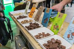 ichoc vegane Schokolade verschiedene Sorten zum Probieren auf der Veggieworld in Köln