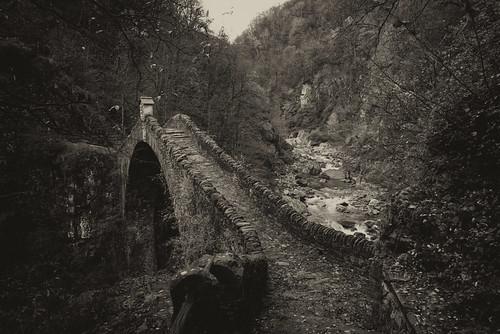 Ponte Romano . Intragna - Ticino
