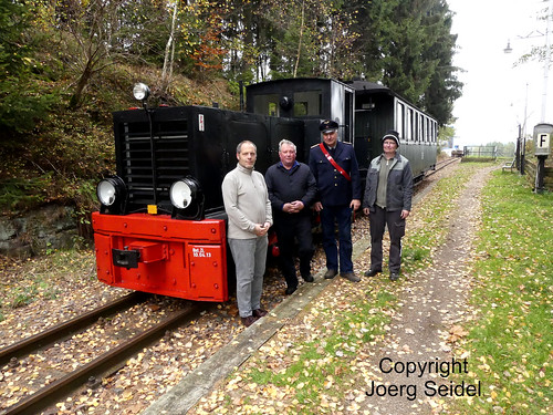 DE-08328 Stützengrün-Neulehn Museumsbahn Schönheide Sonderzug mit Köf 6001 (HF130C) im November 2019