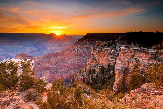Lever de soleil au grand canyon