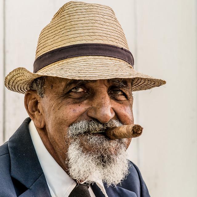 L'homme et son cigare