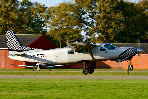 PH-FTW Cessna 208B cn 208B0906 Skydive ENPC 191110 Seppe 1003