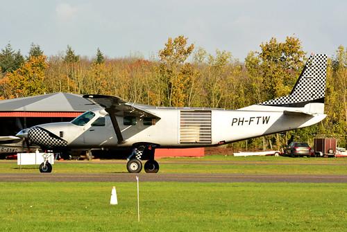 PH-FTW Cessna 208B cn 208B0906 Skydive ENPC 191109 Seppe 1002
