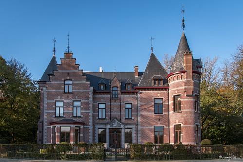 Sint-Pieters-Leeuw, Kasteel Groenenberg.