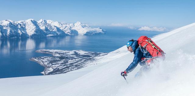Skitour Abfahrt zum Fjord