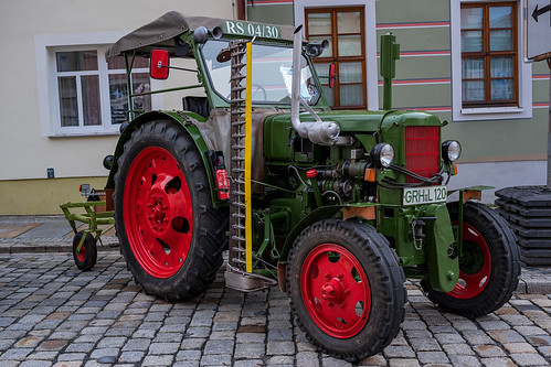 The old tractor 1