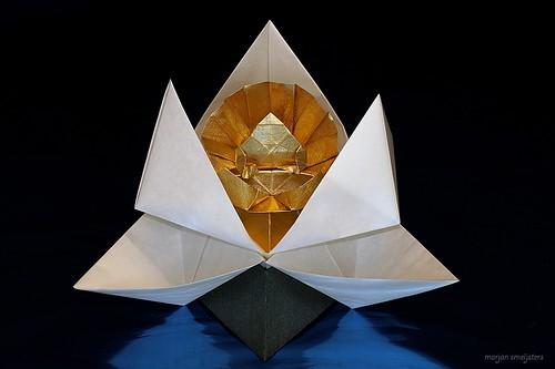 Origami Buddha Statue (Kunihiko Kasahara)