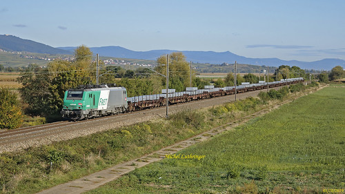 BB 37048 Train de wagons plats à Rouffach