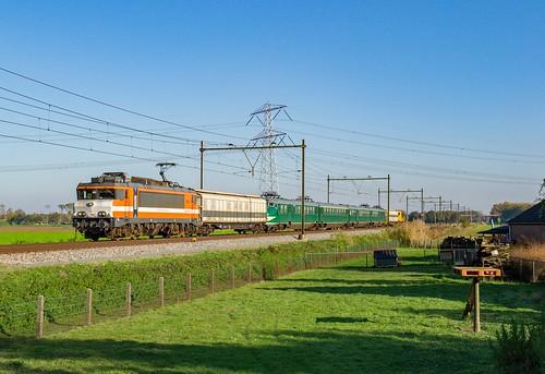 Railexperts 9901 + Stichting Hondekop 766 + WIJS 2454, Niftrik, 10-11-2019