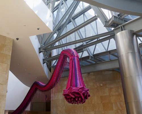 "Exposition ""Je suis ton miroir"", Joana Vasconcelos, Musée Guggenheim, Bilbao, Biscaye, Pays Basque, Espagne."