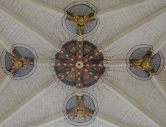 Croisée d'ogives angéliques de l'église Saint-Eusèbe