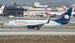 AeroMexico Boeing 737 XA-AMW, south runways, LAX DSC_0329