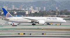 United Airlines Boeing 787 -9 N29961 Dreamliner taxiing, LAX south runways DSC_0313