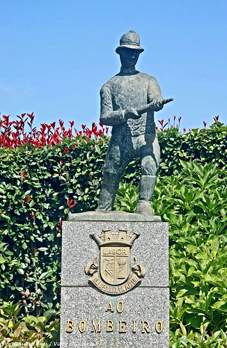 Monumento aos Bombeiros Voluntários de São João da Madeira - Portugal 🇵🇹