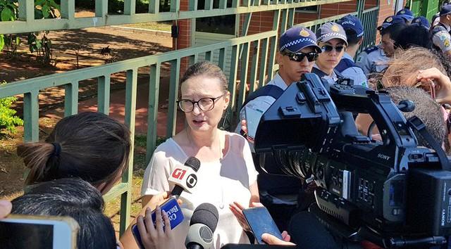 Policiais e Itamaraty impedem entrada de parlamentares na embaixada venezuelana
