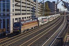 2019-11-13 1439 NJT 4636 on NB, Elizabeth, NJ