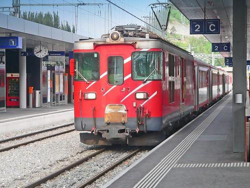 Suisse, le Train en gare de Visp pour Zermatt