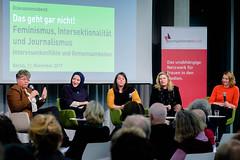 Podium v.l.n.r. Friederike Sittler, Kübra Gümüşay, Anna Mayrhauser, Konstantina Vassilou-Enz, Franziska Hilfenhaus
