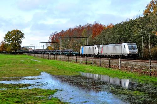 Lineas Akiem 186.387 & RP 186.510 met staalrollentrein Chatelet naar Genk-Goederen