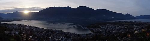 Panoramablick auf den Lago Maggiore von Locarno Orselina aus
