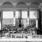 Bar d'hôtel  (Voigtländer Bessa II / Tri-X)