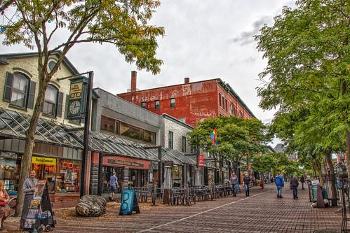 Burlington Vermont - Church Street Tavern - Historic District - Pedestrian shopping