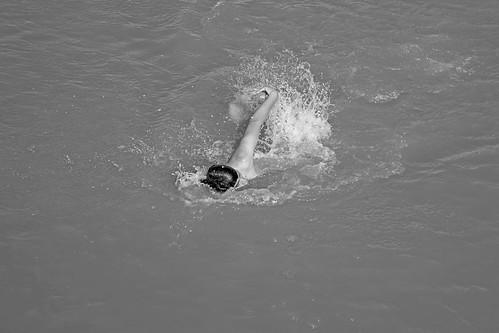 Nadando en el Rio Parana