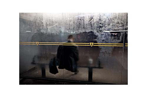 Hållplats-Väntar du tillräckligt länge så kommer en buss och gör dej mobil