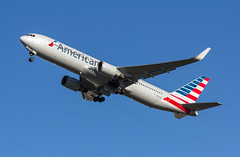 EGLL - Boeing 767-323ER - American Airlines - N378AN